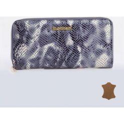 Kolorowy portfel z wzorem. Szare torebki klasyczne damskie Monnari, w kolorowe wzory, ze skóry. Za 99,50 zł.