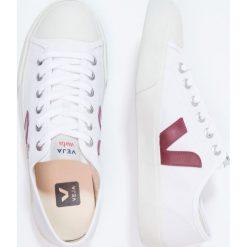 Veja WATA Tenisówki i Trampki white/marsala. Białe tenisówki męskie marki Veja, z materiału. Za 339,00 zł.