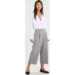 Bluzki asymetryczne: MARCIANO LOS ANGELES EYELET Bluzka true white