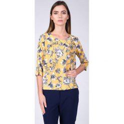 Bluzki damskie: Musztardowa bluzka w kwiaty QUIOSQUE