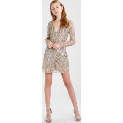 Sukienki hiszpanki: Maya Deluxe LONG SLEEVE WRAP MINI DRESS  Sukienka koktajlowa nude and silver