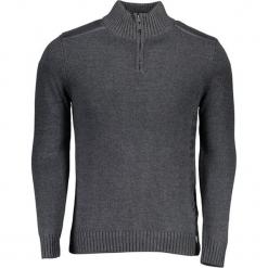 Sweter w kolorze szarym. Niebieskie golfy męskie marki Guess, z materiału. W wyprzedaży za 349,95 zł.