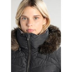 Roxy QUINN Kurtka snowboardowa black. Czarne kurtki sportowe damskie Roxy, s, z materiału, narciarskie. W wyprzedaży za 1039,20 zł.