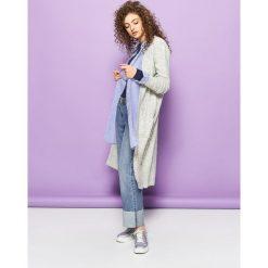 Swetry klasyczne damskie: Długi sweter – Jasny szary