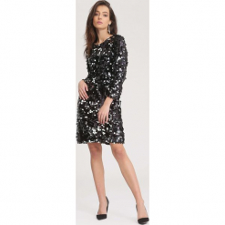 Czarna Sukienka Lighter. Czarne sukienki dzianinowe other, uniwersalny, z okrągłym kołnierzem, z długim rękawem, mini, trapezowe. Za 169,99 zł.