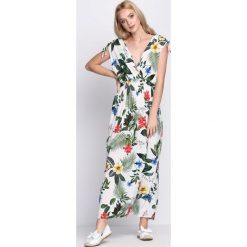 Sukienki: Biała Sukienka Exotic Heart