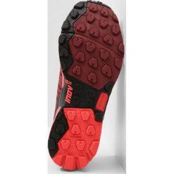 Inov8 ROCLITE 290 Obuwie do biegania Szlak red/coral. Czarne buty do biegania damskie marki Inov-8, z materiału. Za 569,00 zł.