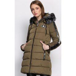 Ciemnozielona Kurtka Discerning. Szare kurtki damskie Born2be, na zimę, l, z aplikacjami, z kapturem. Za 189,99 zł.