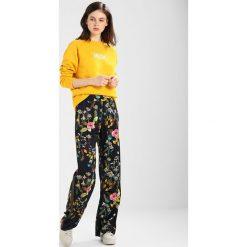 Bluzy damskie: Moss Copenhagen CINANA THA  Bluza golden rod