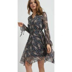 Odzież damska: Asymetryczna sukienka ze wzorem paisley