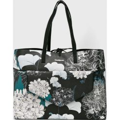 Desigual - Torebka. Szare torebki klasyczne damskie marki Desigual, z materiału, duże. W wyprzedaży za 249,90 zł.