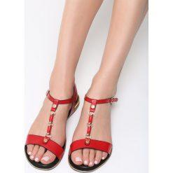 Czerwone Sandały Big Decision. Czerwone sandały damskie vices, na płaskiej podeszwie. Za 84,99 zł.