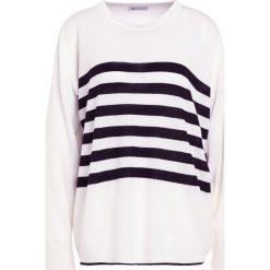 Johnstons Cashmere GAUZY Sweter black/white. Czarne swetry klasyczne damskie Johnstons Cashmere, m, z kaszmiru. W wyprzedaży za 989,45 zł.