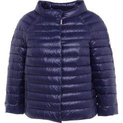 Escada Sport MALISO Kurtka puchowa eyeshadow. Niebieskie kurtki sportowe damskie Escada Sport, na zimę, z materiału. W wyprzedaży za 1007,40 zł.