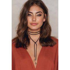 Naszyjniki damskie: NA-KD Accessories Zamszowy naszyjnik z kamyczkami – Black