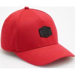 Czapka z daszkiem - Czerwony. Czerwone czapki z daszkiem męskie Reserved. Za 39,99 zł.