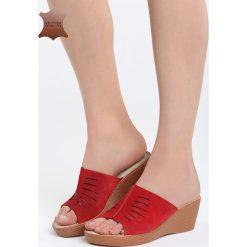 Czerwone Klapki Breaking Through. Czerwone klapki damskie marki QUECHUA, z gumy. Za 99,99 zł.