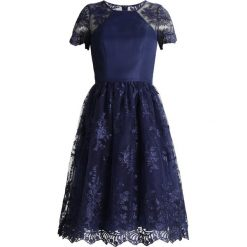 Sukienki hiszpanki: Chi Chi London Tall TIANNA Sukienka koktajlowa navy