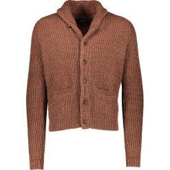 Kardigany męskie: Kardigan w kolorze brązowym
