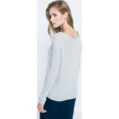 Review - Sweter. Szare swetry klasyczne damskie Review, l, z bawełny, z okrągłym kołnierzem. W wyprzedaży za 59,90 zł.
