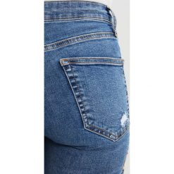 Boyfriendy damskie: Topshop Petite TUCAN JAMIE   Jeans Skinny Fit middenim