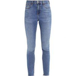 Topshop JAMIE NEW Jeans Skinny Fit middenim. Niebieskie boyfriendy damskie Topshop. Za 229,00 zł.