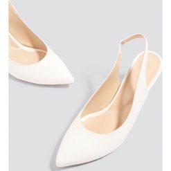 Buty ślubne damskie: Trendyol Czółenka z paskiem - White
