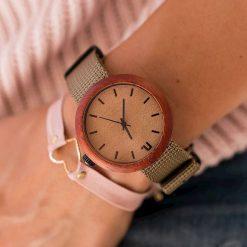 Zegarek Neat Zegarek damski New Hoop drewniany padouk beżowo-czarny II 38mm. Brązowe zegarki damskie Neat. Za 324,00 zł.