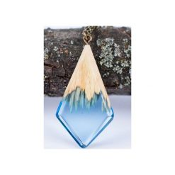 Drewniany naszyjnik niebieski kryształ. Niebieskie naszyjniki damskie Bewoody. Za 100,00 zł.