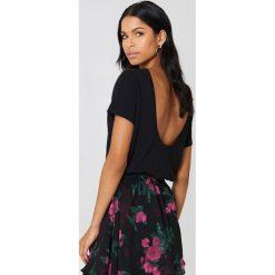 NA-KD Basic T-shirt z odkrytymi plecami - Black. Różowe t-shirty damskie marki NA-KD Basic, z bawełny. Za 52,95 zł.
