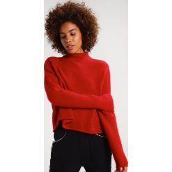 Swetry klasyczne damskie: Tiger of Sweden Jeans DOT     Sweter vermilion