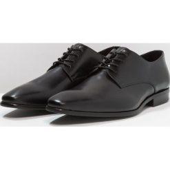 Zign Eleganckie buty black. Czarne buty wizytowe męskie Zign, z materiału, na sznurówki. Za 379,00 zł.