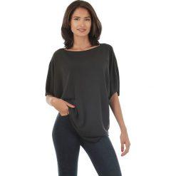 Sweter w kolorze czarnym. Czarne swetry klasyczne damskie marki L'étoile du cachemire, z kaszmiru, z okrągłym kołnierzem. W wyprzedaży za 108,95 zł.