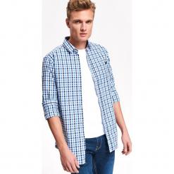 KOSZULA MĘSKAW KRATKĘ O DOPASOWANYM KROJU. Szare koszule męskie na spinki Top Secret, na jesień, m, w kratkę. Za 64,99 zł.