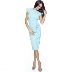Stylowa Błękitna Sukienka z Falbanką. Niebieskie sukienki balowe Molly.pl, l, z dekoltem na plecach, dopasowane. W wyprzedaży za 139,93 zł.