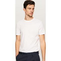 T-shirt BASIC - Biały. Białe t-shirty męskie Reserved, m. Za 19,99 zł.