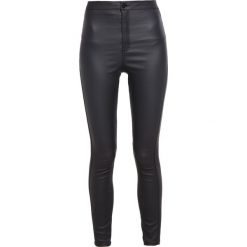 Missguided VICE Jeans Skinny Fit coated black. Czarne jeansy damskie relaxed fit marki Missguided, z elastanu. Za 139,00 zł.
