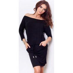 Caroline Sukienka sportowa - czarna. Czarne sukienki hiszpanki numoco, z wiskozy, sportowe, sportowe. Za 109,00 zł.