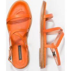 Neosens AURORA Sandały carrot. Brązowe sandały damskie Neosens, z materiału. W wyprzedaży za 449,25 zł.