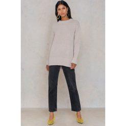 Rut&Circle Sweter Vera - Beige. Brązowe swetry klasyczne damskie Rut&Circle, z dzianiny. W wyprzedaży za 55,48 zł.