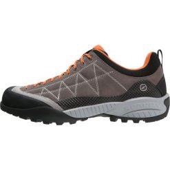 Scarpa ZEN PRO Obuwie hikingowe charcoal/tonic. Brązowe buty skate męskie Scarpa, z gumy, outdoorowe. W wyprzedaży za 495,20 zł.