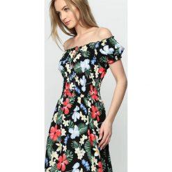 Czarna Sukienka Single Day. Czarne sukienki letnie marki Born2be, xl, oversize. Za 49,99 zł.