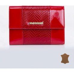 Portfele damskie: Skórzany portfel z ozdobnym panelem