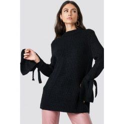 Rut&Circle Sweter Samira Knot Knit - Black. Zielone golfy damskie marki Rut&Circle, z dzianiny, z okrągłym kołnierzem. Za 121,95 zł.