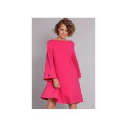 Sukienka Stylish Gal - fuksja. Czerwone sukienki balowe marki Lemoniade, na imprezę, z satyny, z kopertowym dekoltem, z długim rękawem, kopertowe. Za 249,00 zł.