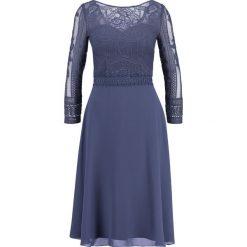 Sukienki hiszpanki: Chi Chi London Tall TAM Sukienka koktajlowa blue