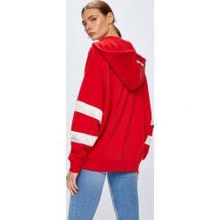Tommy Jeans - Bluza. Czerwone bluzy z kapturem damskie marki Tommy Jeans, s, z bawełny. W wyprzedaży za 399,90 zł.