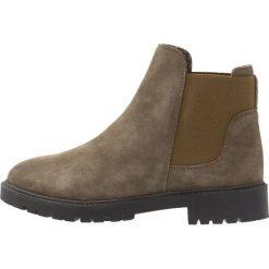 KIOMI Botki tartufo. Brązowe buty zimowe damskie marki KIOMI, z materiału. W wyprzedaży za 208,45 zł.