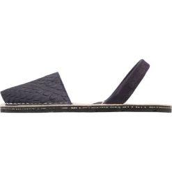 Solillas RUSTIC Sandały taupe. Niebieskie sandały damskie Solillas, z materiału. Za 379,00 zł.