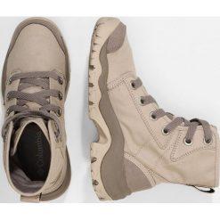 Columbia CAMDEN  Buty trekkingowe ancient fossil grey ice. Białe buty zimowe damskie marki Nike Performance, z materiału, na golfa. Za 529,00 zł.